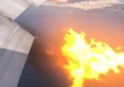 Fiamme dal motore: Boeing 777 costretto ad un atterraggio d'emergenza Paura per i 347 passeggeri a bordo di un volo della Philippine Airlines partito da Los Angeles e diretto a Manila - CorriereTV