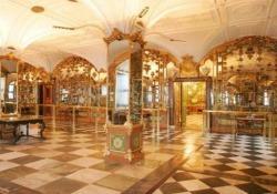 Furto del secolo a Dresda: le stanze dove sono stati rubati preziosi «per 1 miliardo di euro» Ladri in azione nella Grüne Gewölbe, che contiene la più grande collezione di gioielli in Europa - CorriereTV