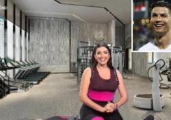 Georgina Rodriguez e il matrimonio con CR7: «Uniti da un contratto biennale con opzione di rinnovo» La compagna del calciatore della Juventus, interpretata da Liliana Fiorelli, in collegamento con «Quelli che il calcio» ha parlato delle loro presunte nozze in Marocco - Corriere Tv