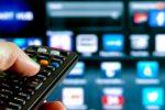 Tv, cambia il segnale digitale: arriva il bonus per l'acquisto di decoder e televisori smart
