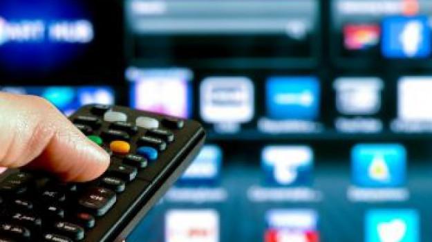 bonus tv, decoder, incentivi, segnale digitale, smart tv, Mirella Liuzzi, Sicilia, Economia