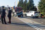 Incidente a Siracusa, scontro fra tre auto: morto un 34enne, ferito un bambino