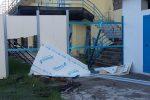 Reggio, vandali nella notte al lido comunale: danni al cantiere - Foto
