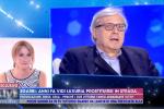 Vittorio Sgarbi contro Vladimir Luxuria: urla in studio da Barbara D'Urso