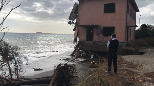 erosione costiera, galati marina, Messina, Sicilia, Cronaca