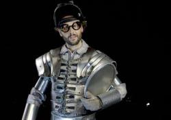 """Materia: Acciaio Spettacolo """"Dipende da Noi"""", video tutorial per l'interpretazione dei personaggi. - Corriere Tv"""