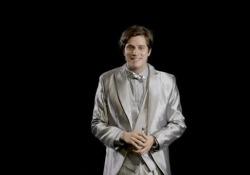 """Materia: Alluminio Spettacolo """"Dipende da Noi"""", video tutorial per l'interpretazione dei personaggi. - Corriere Tv"""