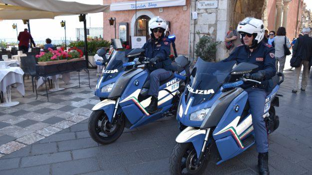 stalking, taormina, Messina, Sicilia, Cronaca