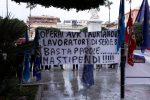 Stipendi in ritardo, a Reggio protesta dei dipendenti Avr