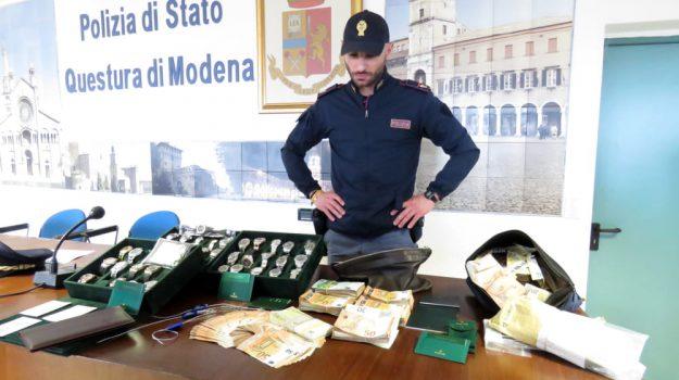 crotone, furto, rapina, Catanzaro, Calabria, Cronaca