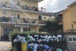 I rifiuti invadono le strade di Marano, il sindaco si affida a una ditta esterna