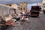 Emergenza rifiuti a Reggio, Castore chiede tempo: si riparte con nuova gara