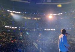 Riki alla conquista del Messico Il cantante milanese spopola in America Latina come non accadeva da diverso tempo per un italiano - Corriere Tv