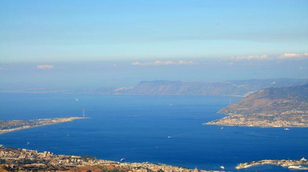 collegamenti, stretto di messina, Reggio, Calabria, Economia