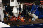 Nave Alan Kurdi a Messina, sbarcano 61 migranti: andranno al centro di accoglienza