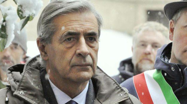'ndrangheta, dimissioni, valle d'aosta, Antonio Fosson, Sicilia, Politica