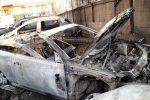 Incendio a Messina, devastato il parco auto di un'officina in via Roma all'Annunziata - Foto