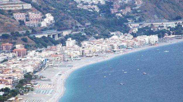 letojanni, tasse, turismo, Danilo Lo Giudice, Davide Paratore, Messina, Sicilia, Economia