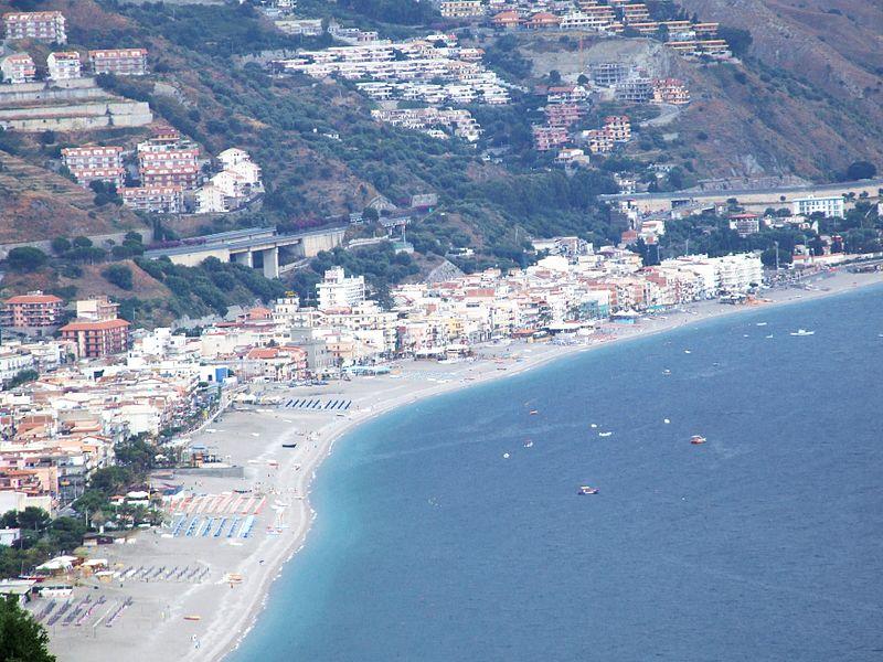 L Allarme Degli Albergatori Di Letojanni E Della Riviera Jonica Troppe Tasse Si Rischia La Chiusura Gazzetta Del Sud