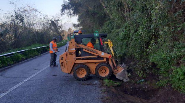 manutenzione stradale, monterosso calabro, Catanzaro, Calabria, Economia