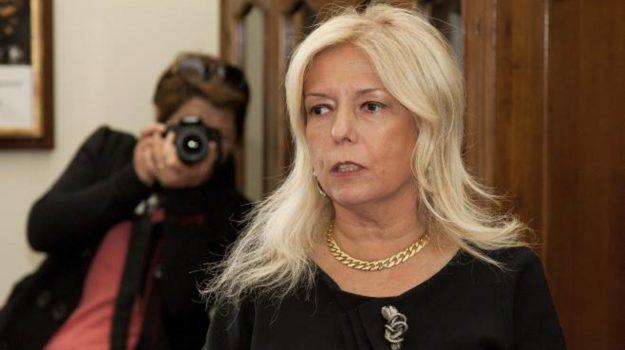 arresti domiciliari, corruzione, prefetto, Cinzia Falcone, Paola Galeone, Cosenza, Calabria, Cronaca