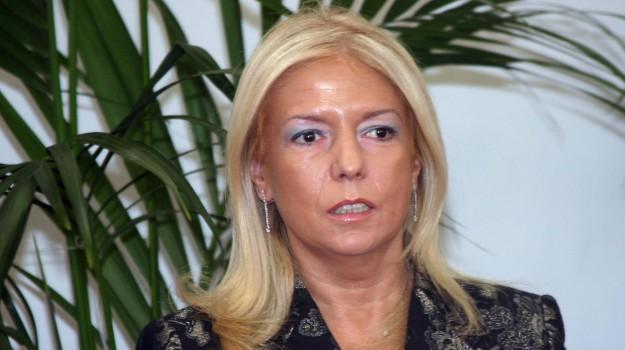 arresti domiciliari, corruzzione, prefetto, Cinzia Falcone, Paola Galeone, Cosenza, Calabria, Cronaca