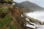 Maltempo, a Piraino crolla parte di un villino a causa delle onde