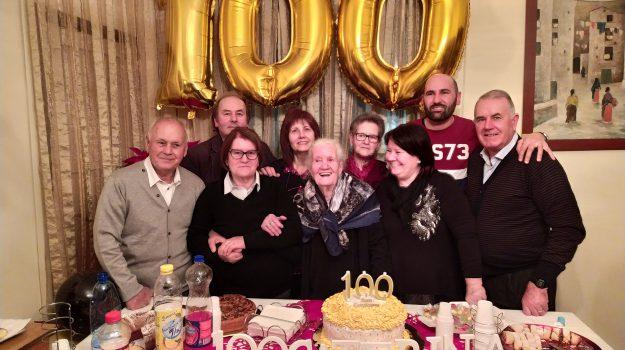 centenaria, Caterina Mazzei, Giovanni Mazzei, Catanzaro, Calabria, Cronaca