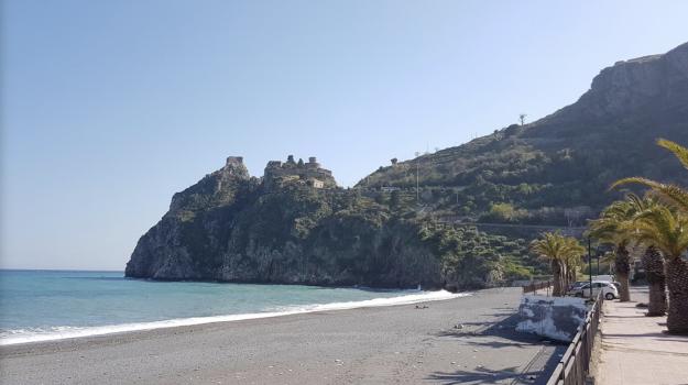 hotel, santa teresa riva, Messina, Sicilia, Economia