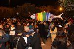 La pioggia non ferma le sardine a Messina, centinaia in piazza Unione Europea - Foto
