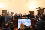 Boss, politici, imprenditori, professionisti e massoni: tutti i nomi e le foto della maxi retata con 330 arresti