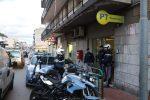 La polizia davanti all'ufficio postale di via del Santo