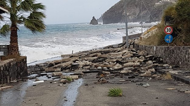 collegamenti navali, lipari, maltempo, mareggiate, Messina, Sicilia, Cronaca