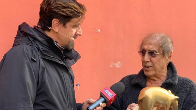 striscia la notizia, tv, Adriano Celentano, Sicilia, Società