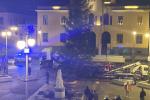 Vibo, il Comune di Capistrano ha un donato gigantesco albero di Natale alla città