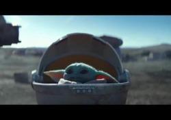 Baby Yoda: il piccolo alieno verde e dalle lunghe orecchie conquista la rete |Video - Corriere Tv