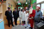 I carabinieri forestali di Cosenza visitano i piccoli degenti dell'ospedale civile dell'Annunziata