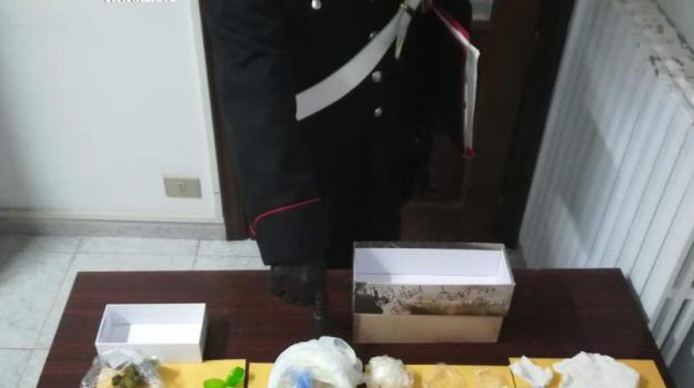 arresti, carabinieri, Spaccio stupefacenti, Catanzaro, Calabria, Cronaca
