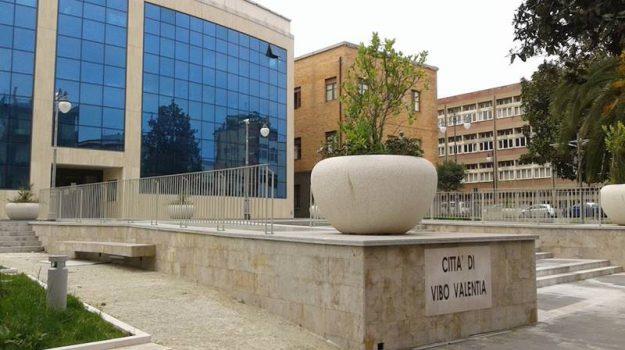 comune vibo, toponomastica, Giorgio Almirante, Catanzaro, Calabria, Politica