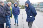 """A Montalto una crepa sulla strada allarma gli automobilisti, l'Anas: """"A breve i lavori"""""""