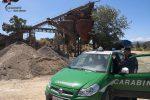 Denunciate tre persone in un cantiere a Crosia, scaricavano rifiuti in un invaso