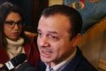 Messina, De Luca avverte: «Nessun ricatto al Consiglio ma se prevale il no mi dimetto»