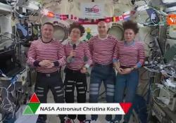 Gli auguri di Natale dallo spazio con gli astronauti della Stazione Spaziale Internazionale Gli auguri dallo spazio - Agenzia Vista/Alexander Jakhnagiev