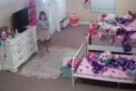Gli hacker entrano nella cameretta della bimba: Babbo Natale è nella videocamera