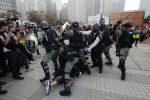 Scontri e arresti a Hong Kong al corteo pro-Uighuri