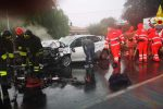 Incidente tra Crotone e Rocca di Neto: le foto dopo l'impatto sulla statale 107