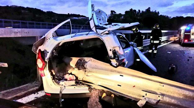 incidente mortale, incidenti stradali, Messina, Sicilia, Cronaca