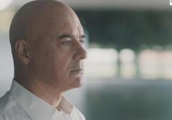 Luca Zingaretti, il corto «Raro» per Telethon Il lavoro dell'attore per la maratona di Telethon - Corriere Tv