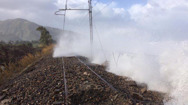 ferrovie, maltempo, meteo, palermo, treni, Messina, Sicilia, Cronaca