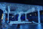 Festività a Messina, luci e renne: piazza Cairoli trasformata in un villaggio di Natale - Foto